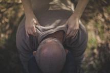 A man getting a shoulder massage