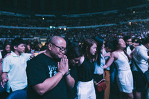 praying crowd