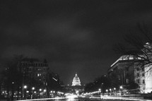 lights on the US capital building at night