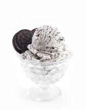 cookies and cream ice cream cup