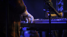 keyboardist on stage