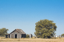 old abandoned barn in a prairie