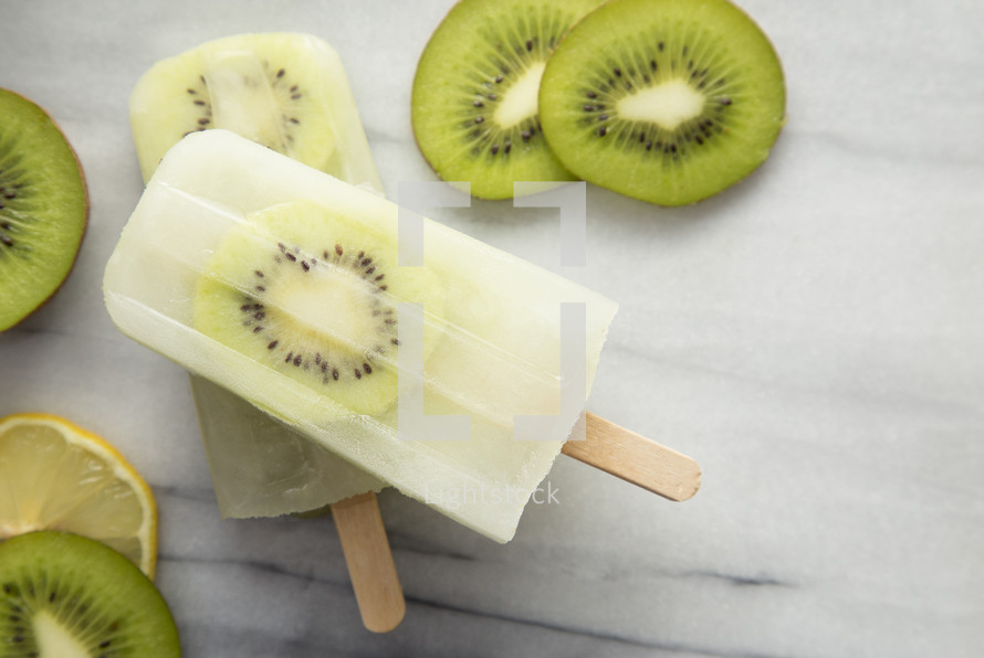 Kiwi and Lemonade Homemade Popsicle