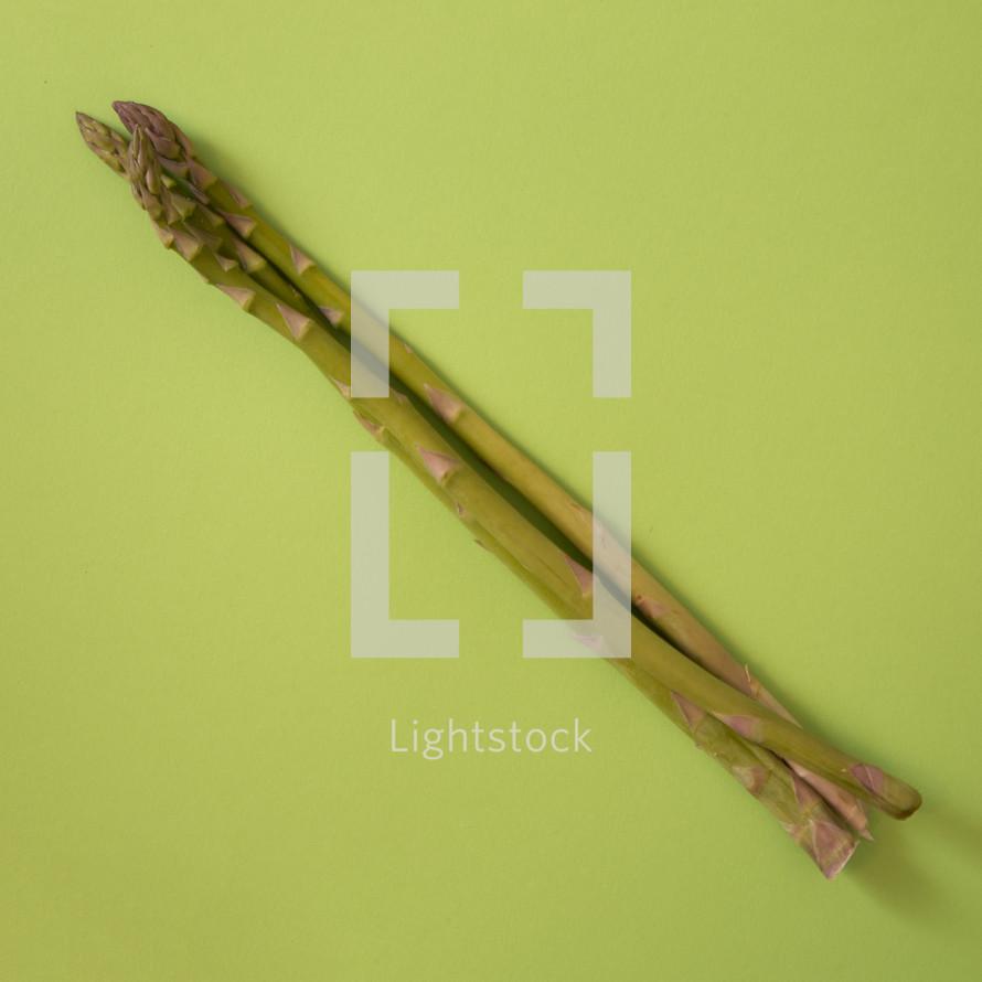 asparagus on green