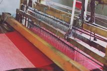 loom weaving fabric
