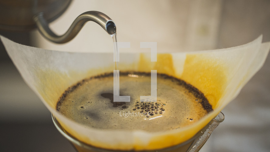 Chemex pour over coffee filter