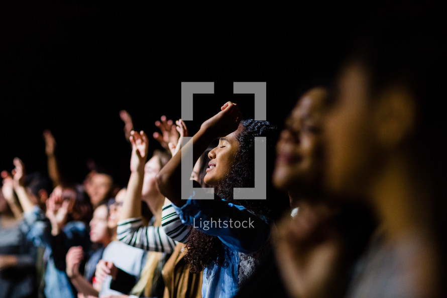 audience in song