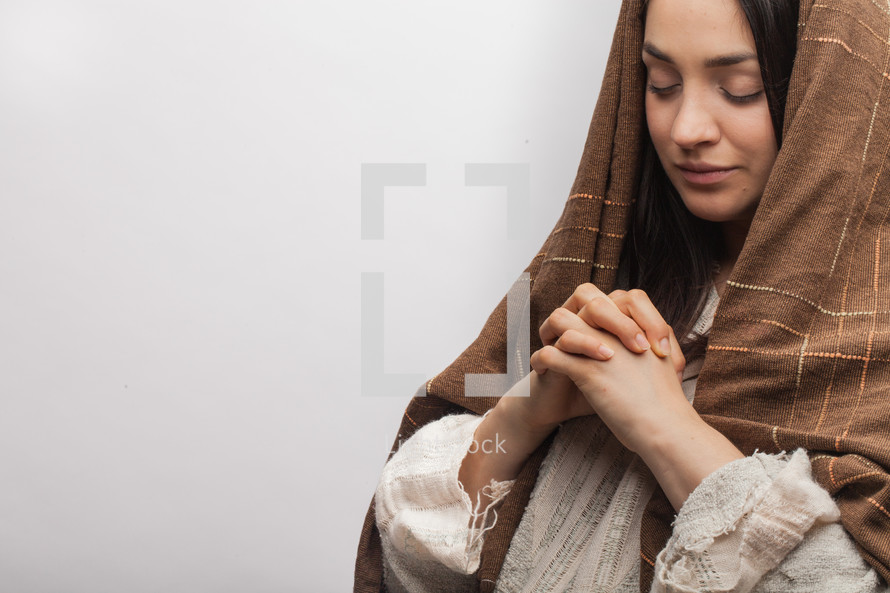 Mary with praying hands