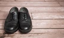 men's black dress shoes