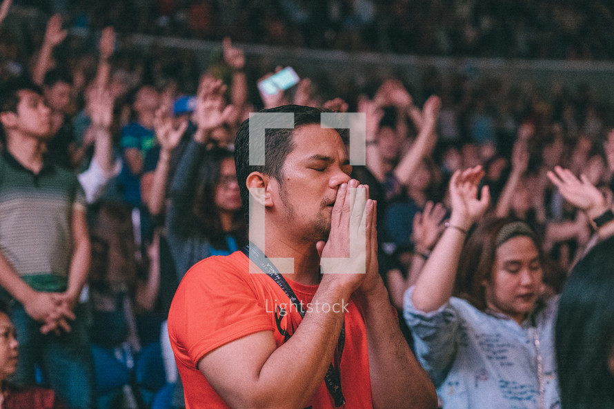 praying crowd