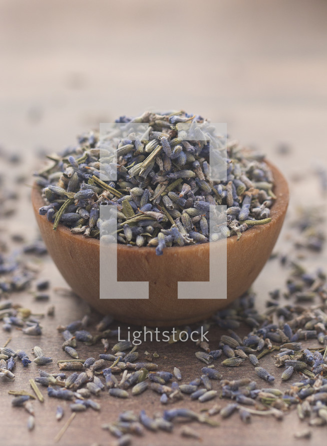 dried lavender in a wooden bowl