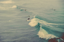 Surfer catching waves | Momentum | Recreation | Youth | California | Background | Nature | Surf Board |