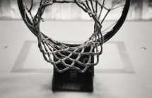 basketball net in black and white