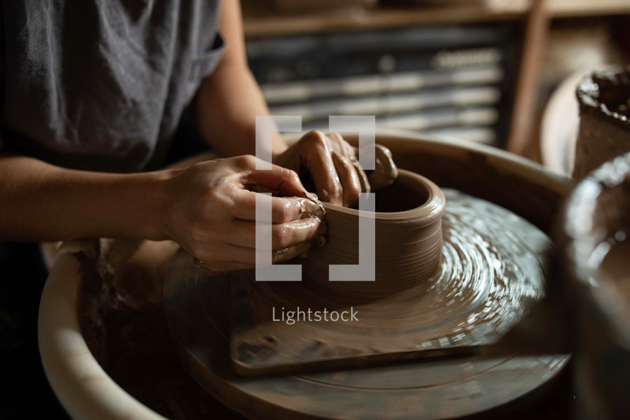 patter making pottery