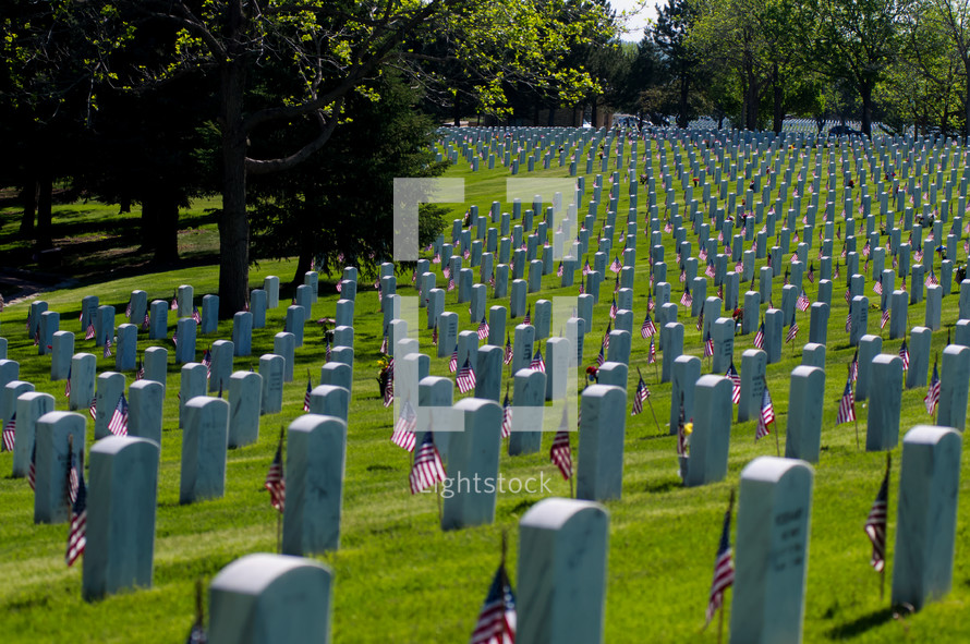 tombstones of fallen soldiers