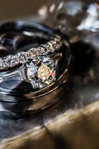 Wedding rings diamond solitaire
