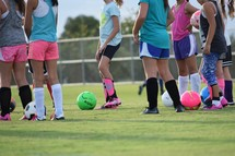 girls playing youth soccer