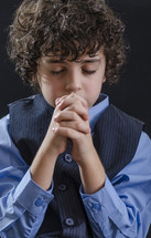 boy child in prayer