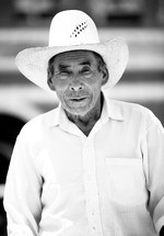 Elderly man in cowboy hat