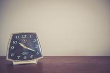 clock 10:20