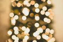 bokeh lights on a Christmas tree