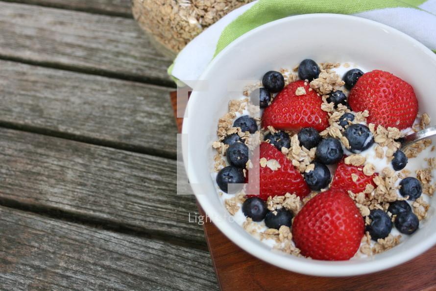 granola, yogurt, and berries