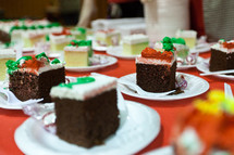 individual servings of Christmas cake