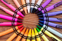 circle of crayons