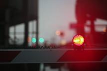 lights on train crossing bars