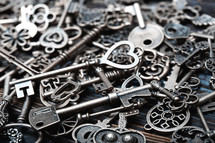 pile of skeleton keys