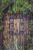 a wooden barn