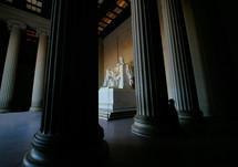 Lincoln's statue in Lincoln memorial
