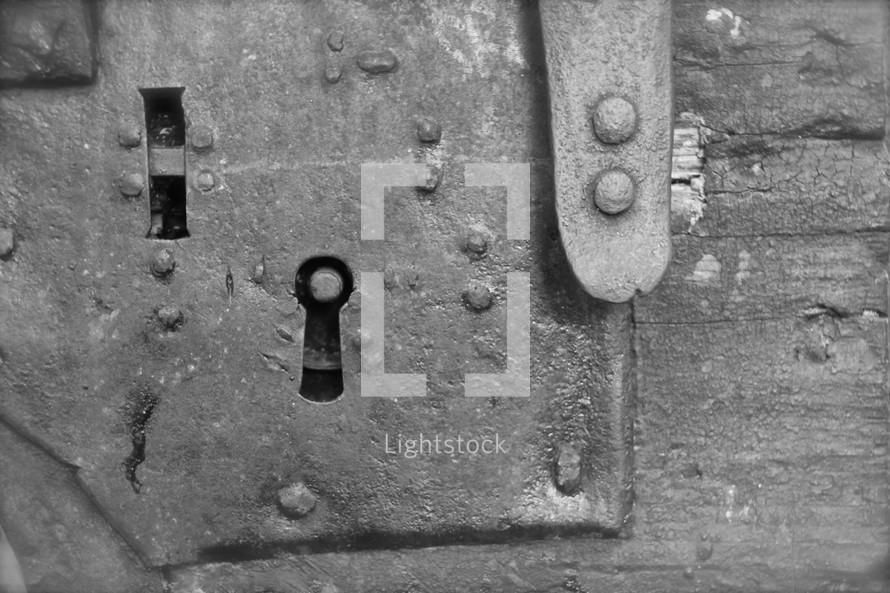 key hole in prison door