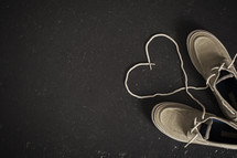 heart shaped shoe laces