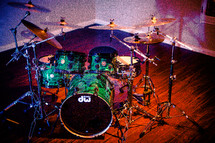 Drum Workshop Collector's Series® drums with powder coated black hardware, 6-ply VLT (vertical low timbre) maple wood. DW 9000 hardware throughout. DW factory custom dog bones and puppy bones.  Sabian Evolution, Zildjian A Custom, and Paiste Signature Series cymbals.