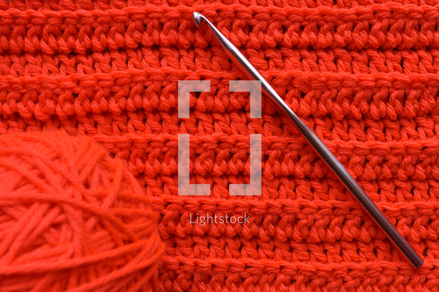 red yarn background