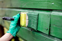 painting a wall green