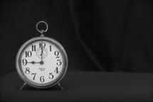 Alarm clock 9:00