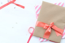 wrapped gift, ribbons, package, bow, gift, mother's day