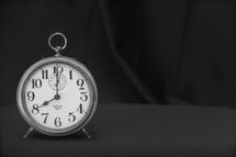 Alarm clock 8:00