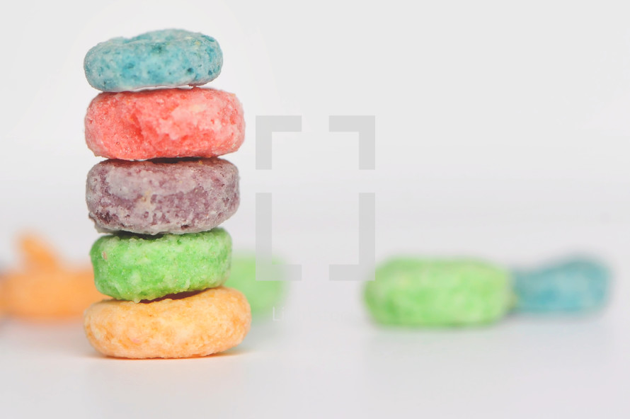 stack of fruit loops cereal