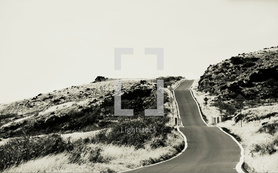 narrow mountain road in Hawaii
