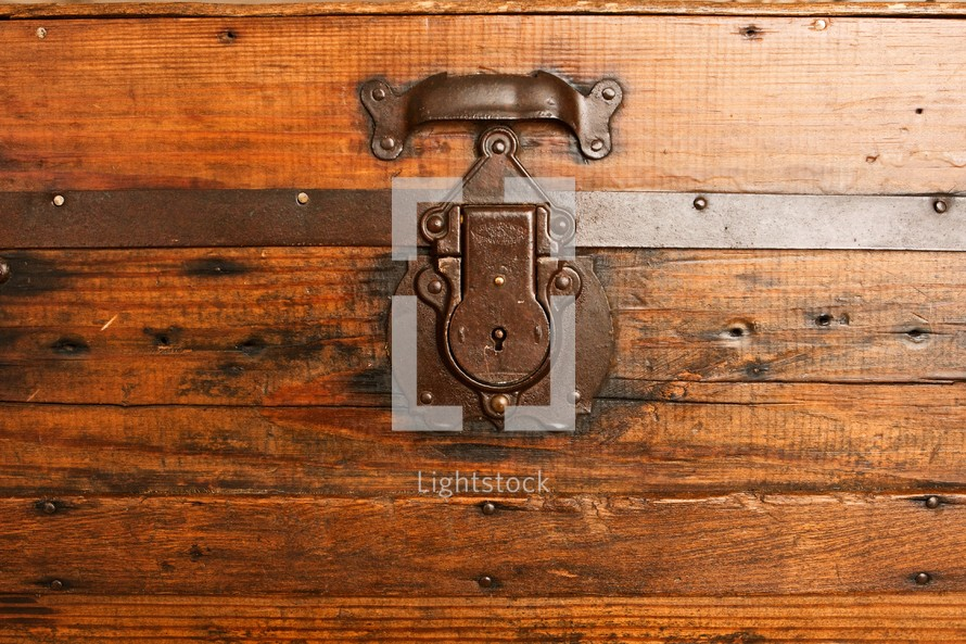 a lock from a trunk