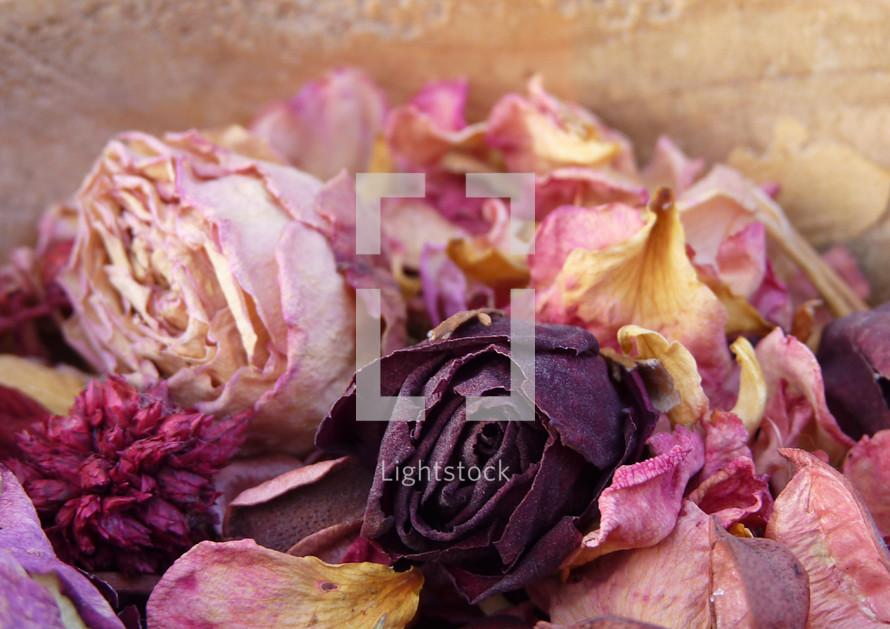 dried roses potpourri