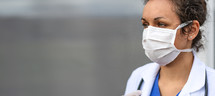 female doctor wearing a surgical mask