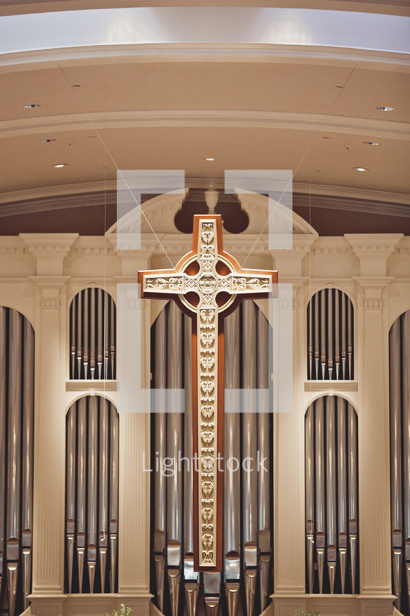 An organ and a cross