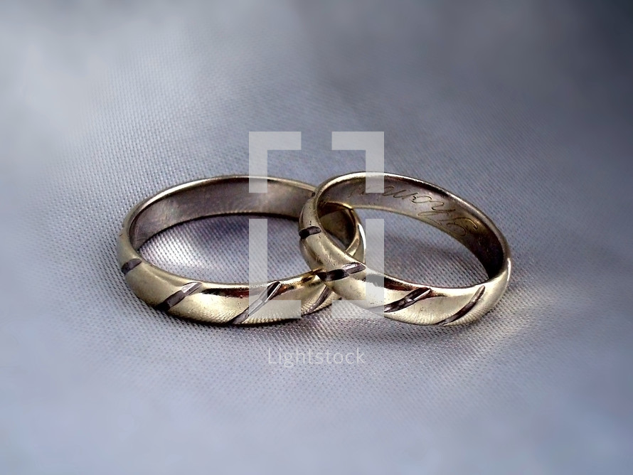 wedding rings,  wedding, rings, marriage, bond, couple, married, fidelity, faithfulness, faith, trust, together, togetherness, man, woman, husband, wife, safety, security, covenant, bride, groom, bridegroom, bond of marriage, white, pure, valentines day