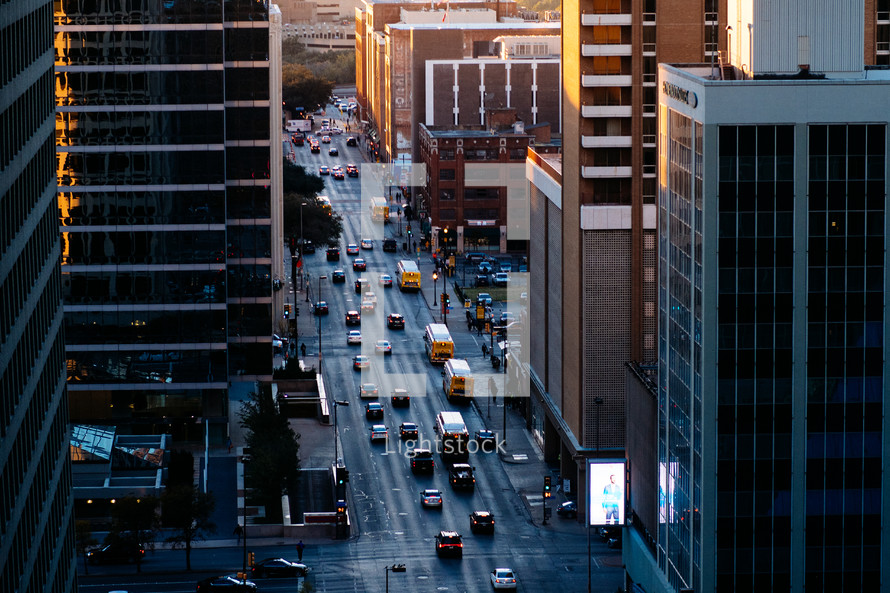 40f11162dd9 Traffic on city streets below — Photo — Lightstock
