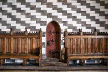 wood thrones