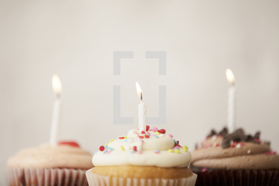 cupcakes and candles